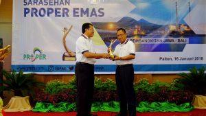 PJB Serahkan Penghargaan PROPER Emas Untuk PLN 1