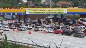 Catat 96.430 Kendaraan Lintasi Gerbang Tol Kali Kangkung H-2 Natal 1