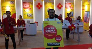 Indosat Tambah Store di Surabaya barat 5