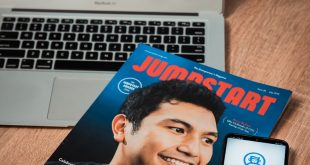 Jumpstart Magazine Hong Kong Beri Penghargaan Startup of The Year 2019 Untuk Qlue 4