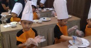 Hotel Santika Latih Skill Siswa PG dan TK Bikin Kue Sambil Bermain 16