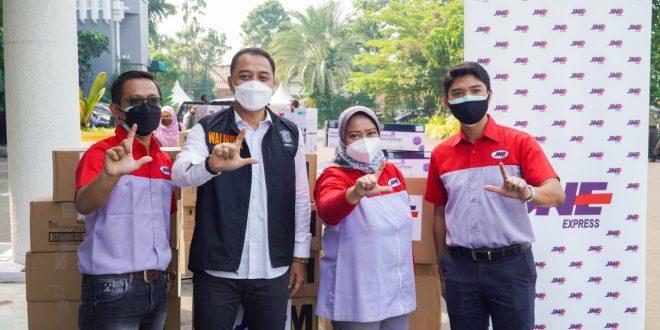 JNE Salurkan 2275 Antigen dan 2720 Masker N95 untuk Pemkot Surabaya 6