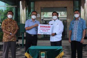 Bridgestone Salurkan Donasi untuk Gugus Tugas COVID-19 Bekasi dan Karawang 1
