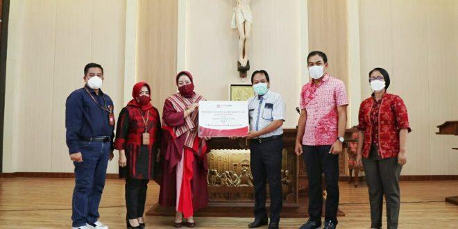 Bank Jatim Serahkan CSR Sarana Prasana Gereja Sebagai Bentuk Tanggung Jawab Perusahaan di Bidang Keagamaan 8