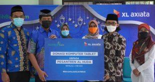 Kembangkan Desa Digital, XL Axiata Donasikan 100 Laptop Pesantren 3
