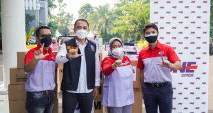 JNE Salurkan 2275 Antigen dan 2720 Masker N95 untuk Pemkot Surabaya 3