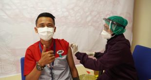 Kejar Target Herd Immunity, JNE Surabaya Vaksinasi 1200 Dosis 2